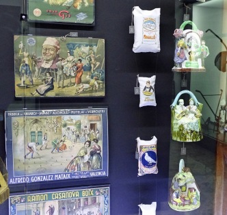 Historical Kits, rice and ceramics from past Las Fallas