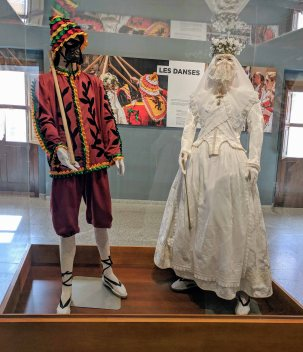 COSTUMES OF THE CAVALCADE OF THE INVITATION (since 1516)