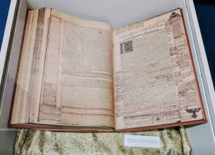 The Biblia Sacra in the Museo del Patriarca. (read more below)