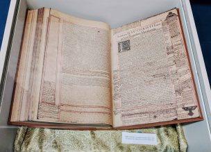 The Biblia Sacra in the Museo del Patriarca. (read more below)