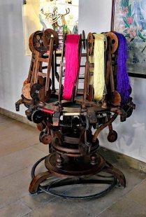 Creating silk bobbins from raw silk