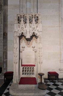 Gothic episcopal Cathedra