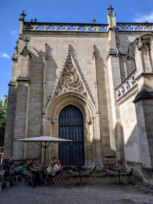 Side door of Église Saint Pierre
