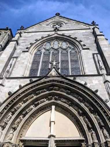 Facade of Église Saint Pierre