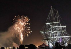 Fireworks and the beautifully lit El Galeón.
