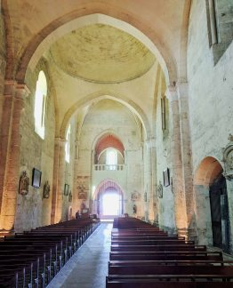 The nave of the Collegiate Church of Saint-Emilion