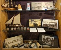 Display of items of trade