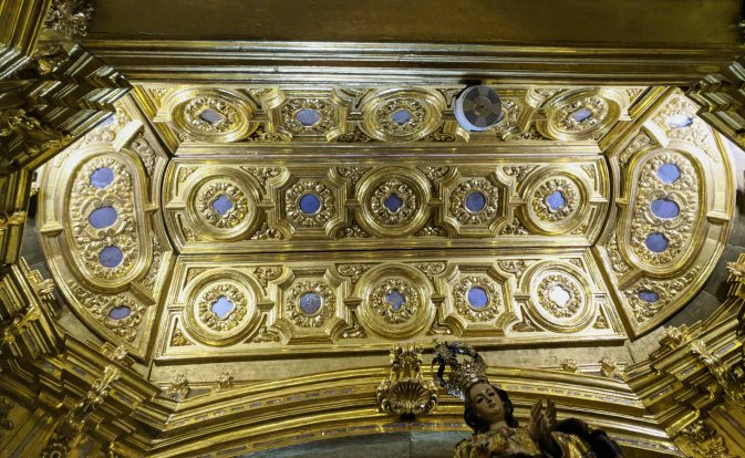 Gold ceiling detail