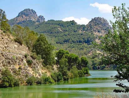 The reservoir just outside El Chorro Power Station