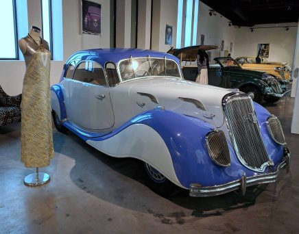 PANHARD ET LEVASSOR FRANCIA 1938 6 cyl. 75 hp 2900 cc. Modelo X77 Dynamic