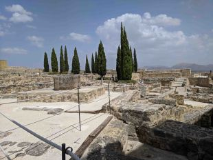 The main plaza and ruins of the Fortaleza de la Mota