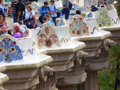 The exterior of the benches we talked about at Park Güell